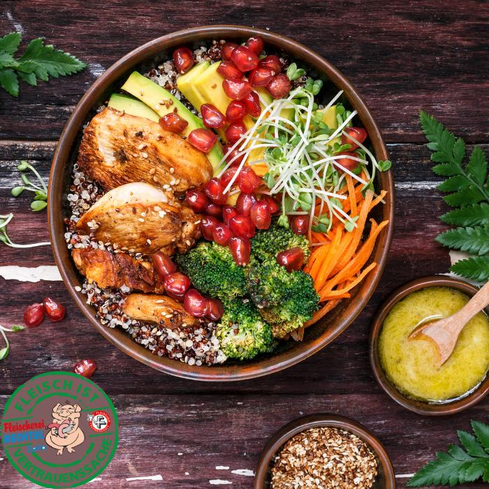Quinoa-Bowl mit Hähnchenbrustfilet