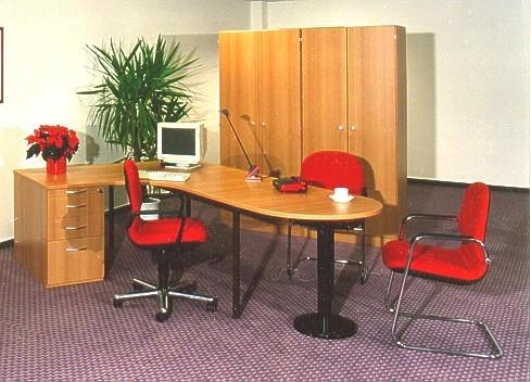 Arbeitszimmer in Kirsche