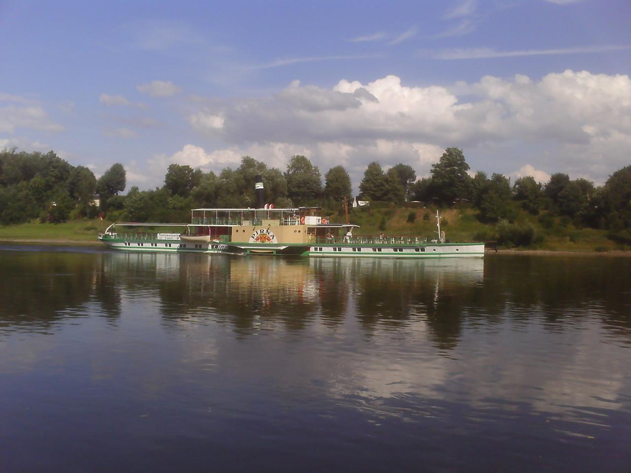 Schifffahrt durchs Elbtal