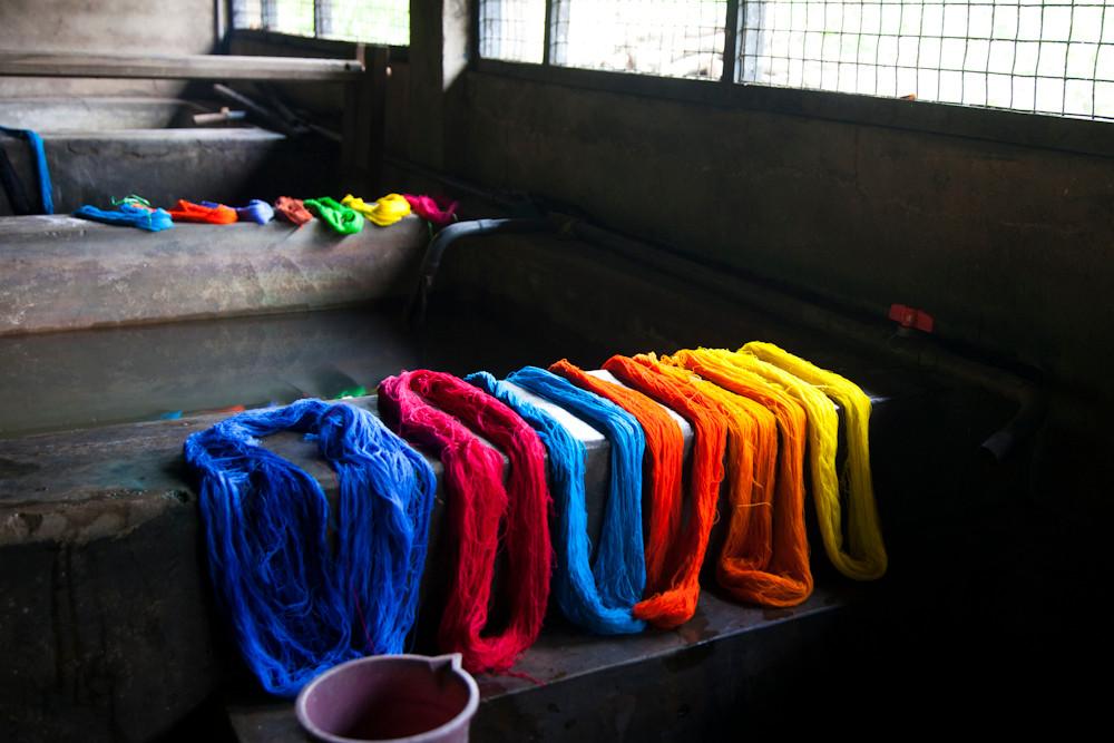 hier wird Baumwolle gefärbt