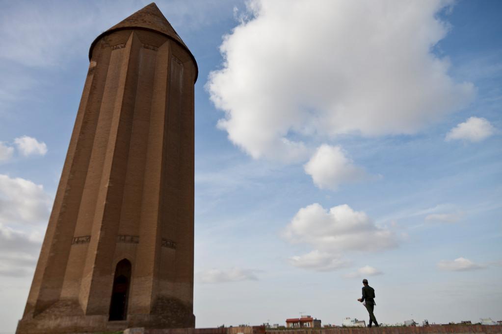 Grabturm in Gonbad