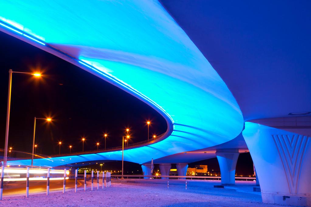 Nachtspaziergang durch die Dubai Marina