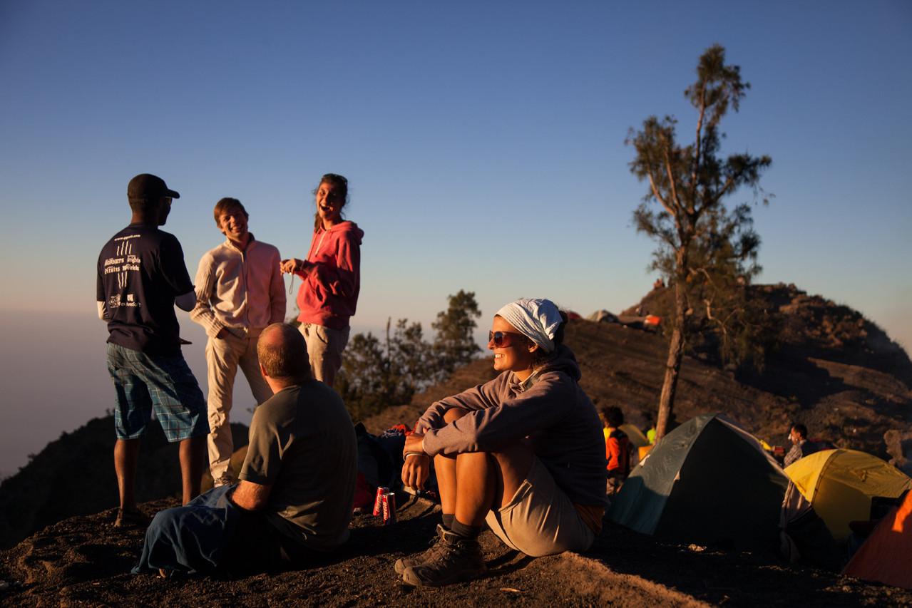 Wir geniessen den Ausblick vom Camp 2