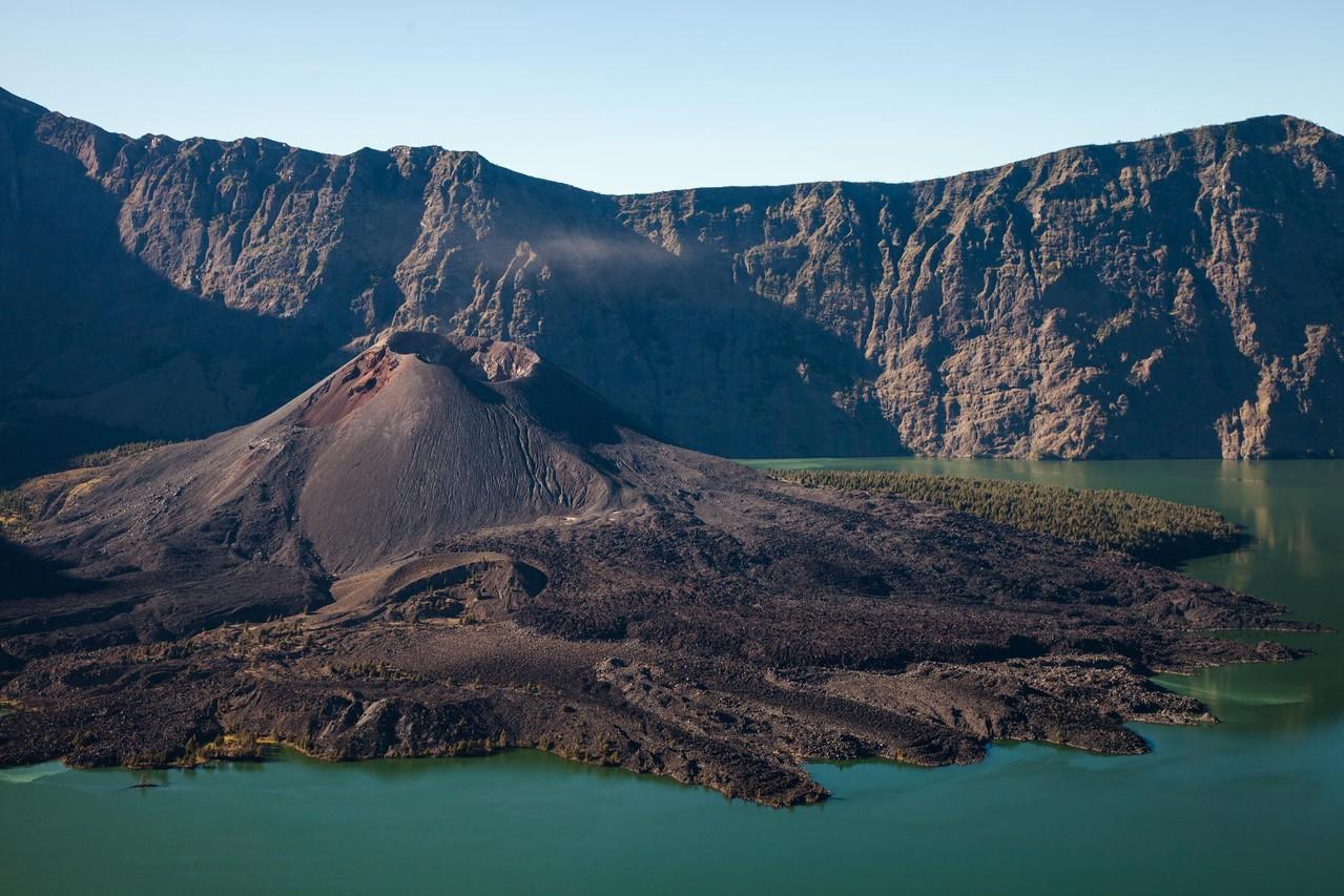 Gunung Barujari, der Krater im Krater
