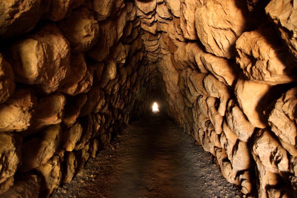 Über 2000 Jahre alter Tunnel.