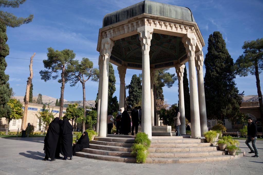 am Grab von Hafez