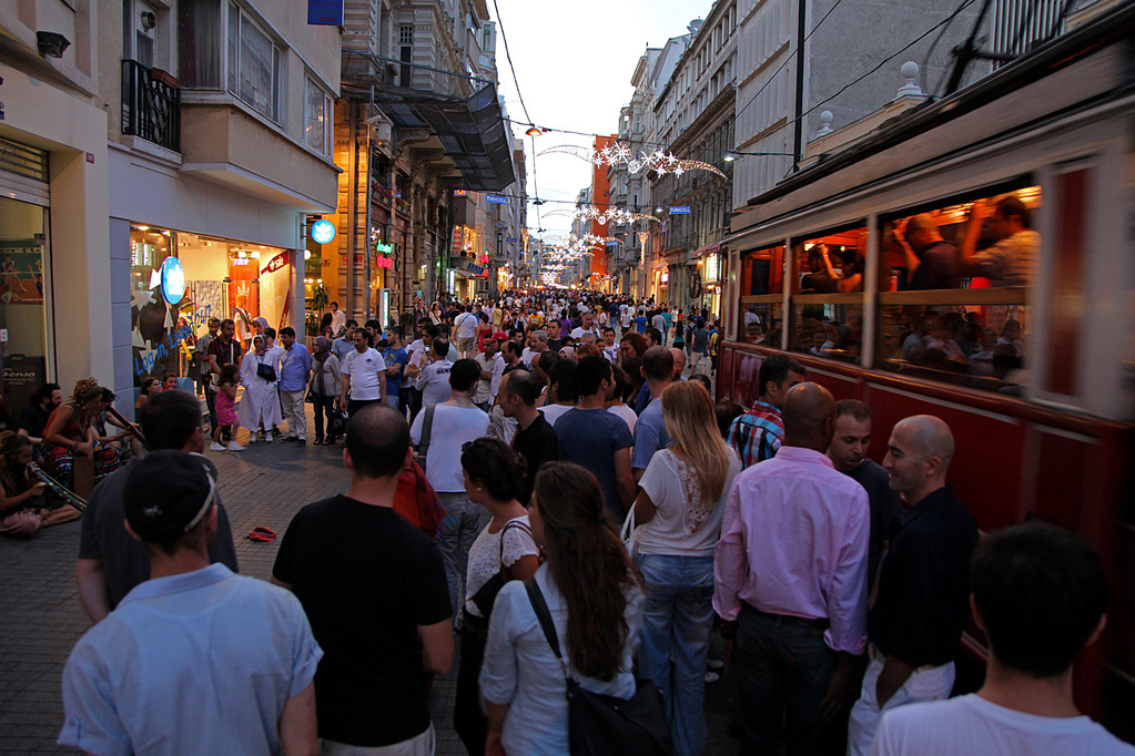 ...die beliebteste Einkaufsstrasse Istanbuls