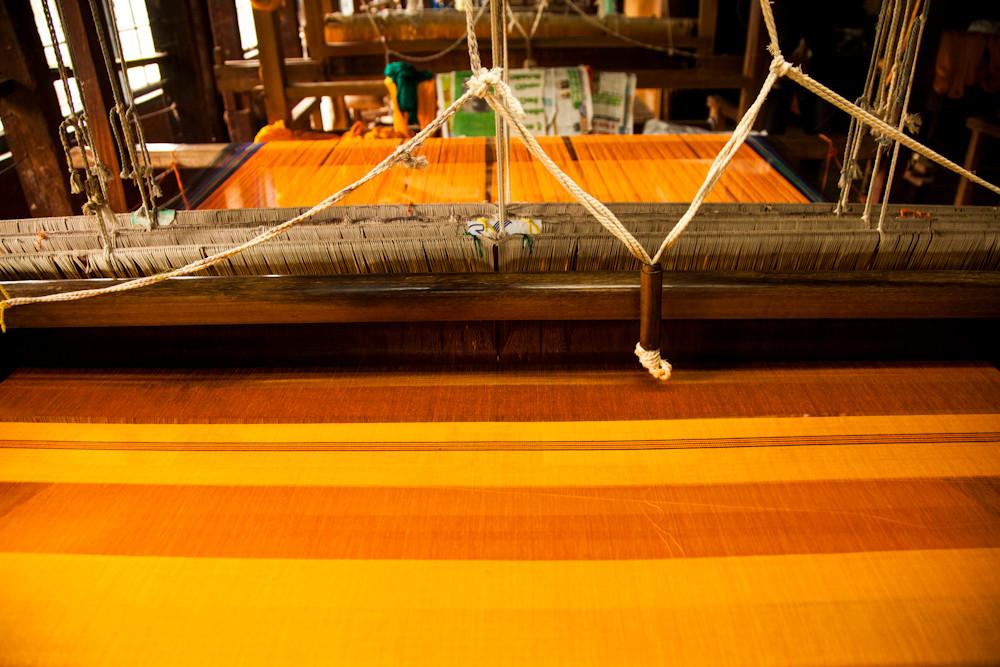 hier werden Saris hergestellt
