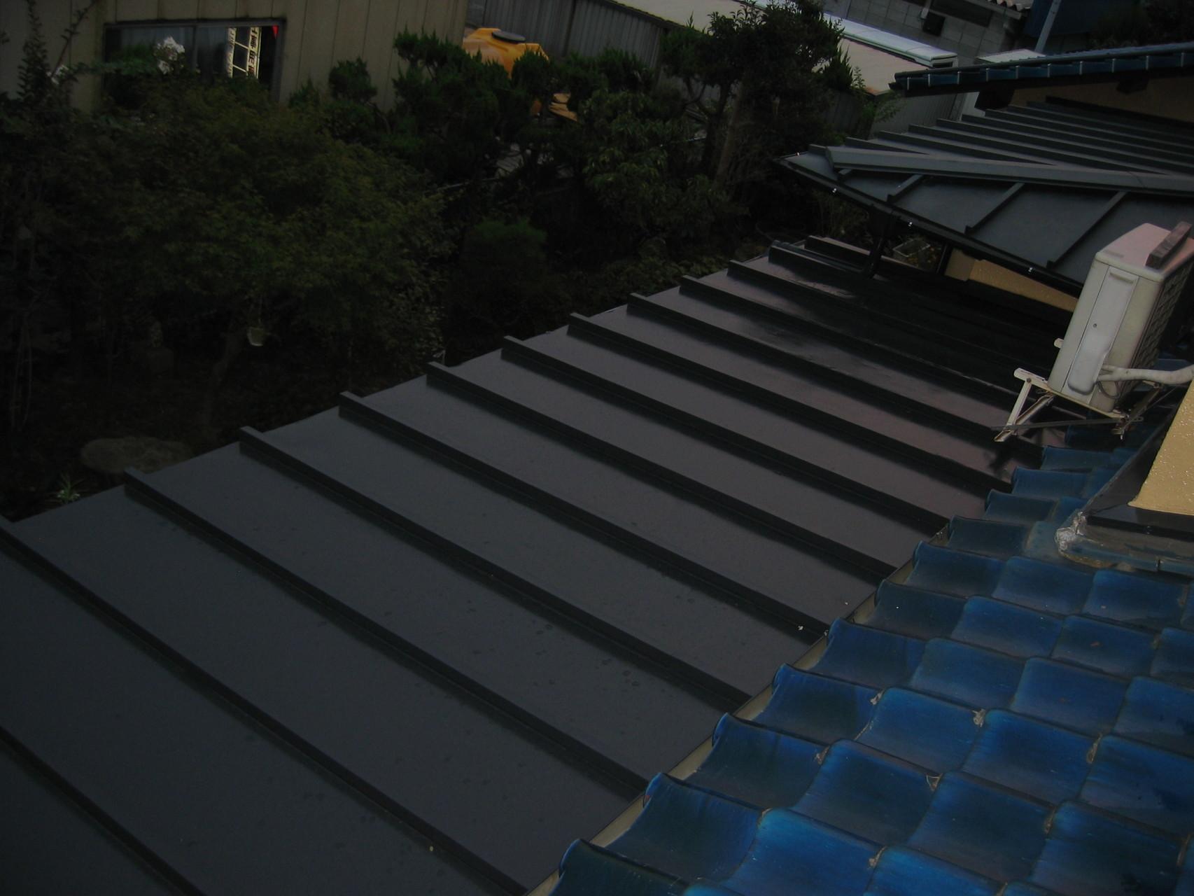 施工後 1階屋根板金葺き サビ止め ウレタン塗装
