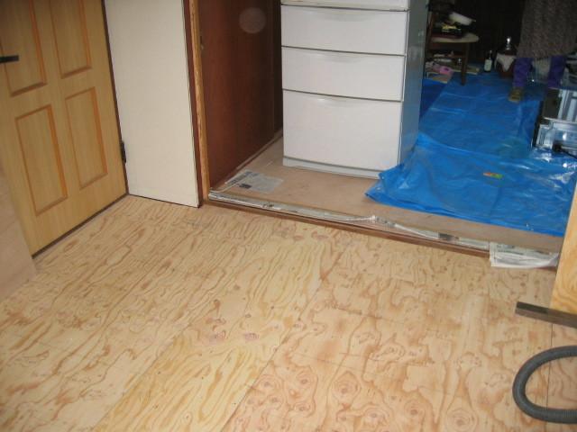 施工中 DK⇔リビング 床下地合板貼り