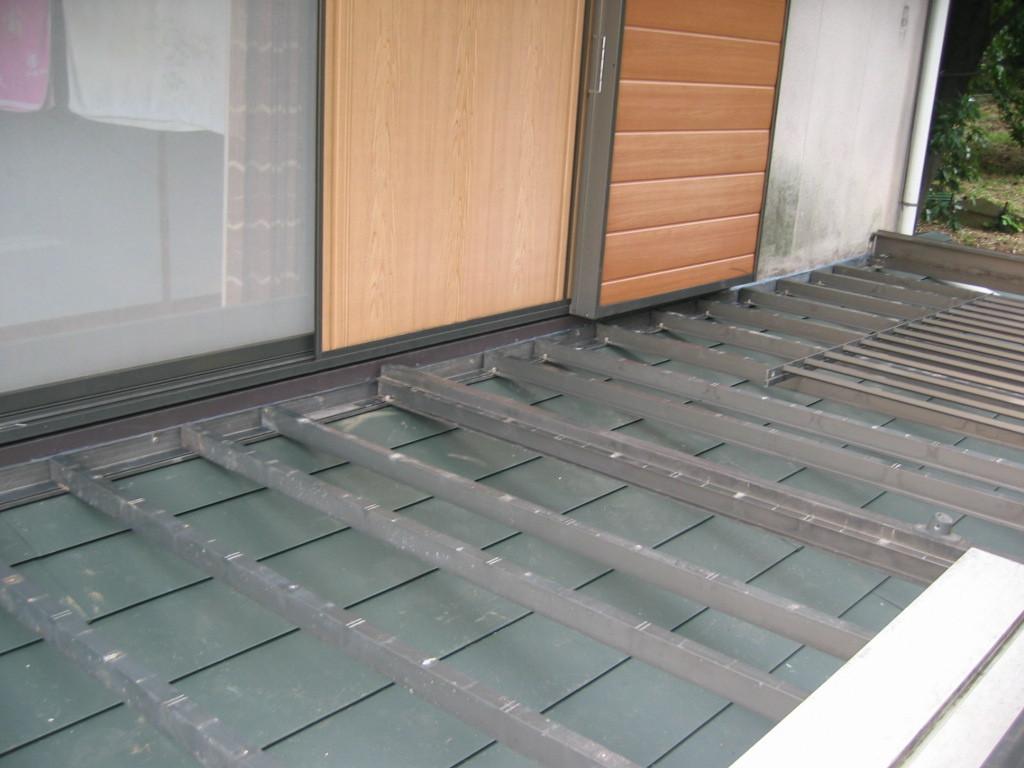バルコニー一時撤去後 ガルバリュウム鋼板貼り その後 バルコニー組立