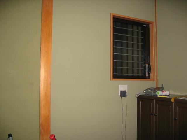 施工後 玄関廊下 ルーバー窓取替、内装貼替