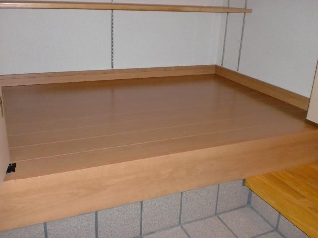 玄関収納 床