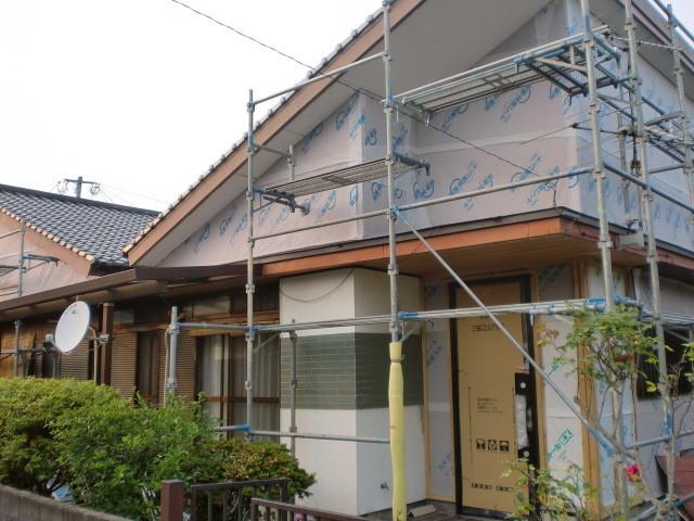施工中 透湿防水シート/ 下地桟木(胴縁施工)
