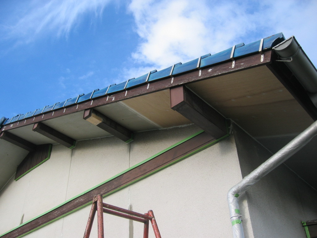 施工中 雨水侵入のため、軒天井貼替え