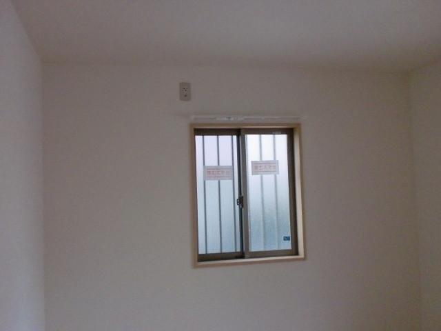 洋室 面格子付引違い窓 780*900