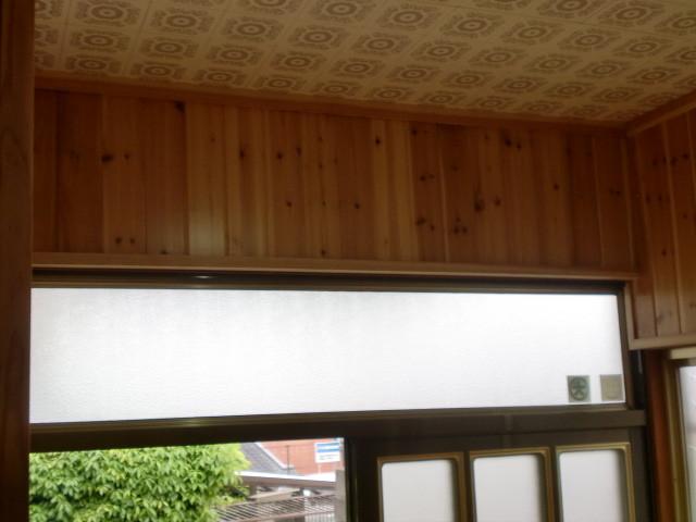 施工後 玄関・廊下 壁 無垢杉板クリア仕上げ (節あり)③