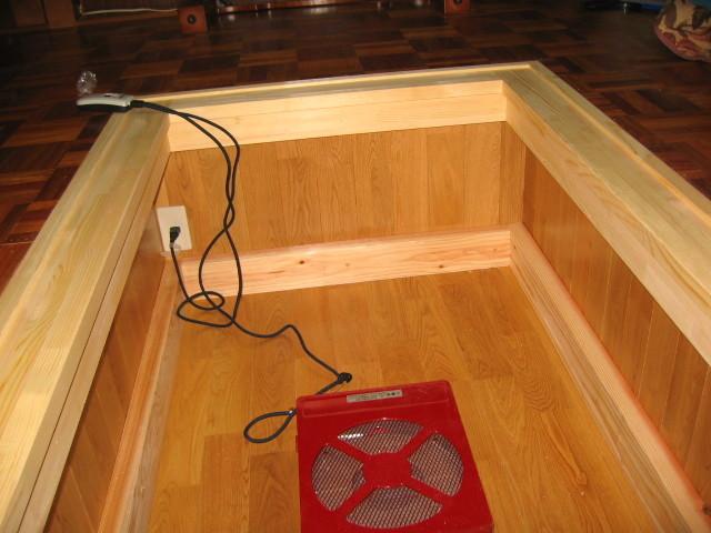 施工後 床/壁:無垢ナラ床材 見切り 無垢パイン材