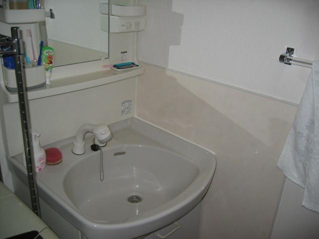 施工後 洗面室 メラミン化粧板貼り