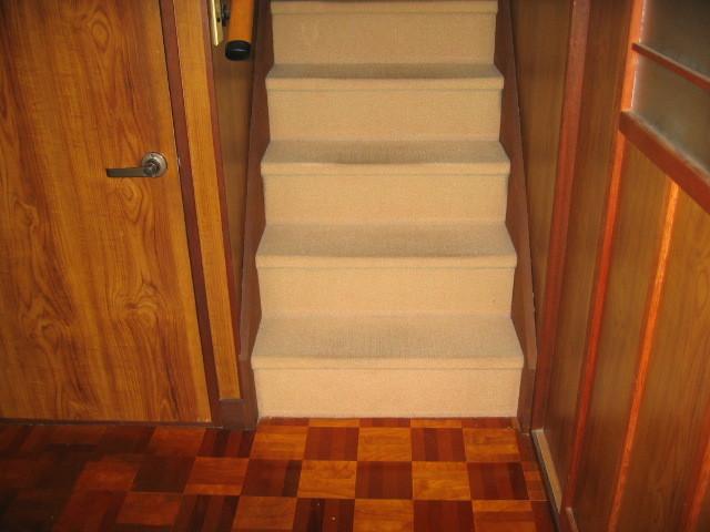 施工前 玄関廊下⇔2階階段