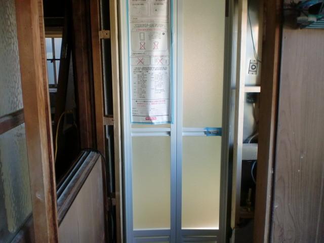 施工中 浴室 入口(折戸)