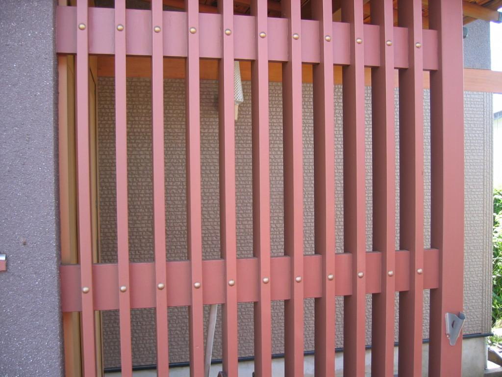 施工後 玄関横 たて格子塗装塗替え