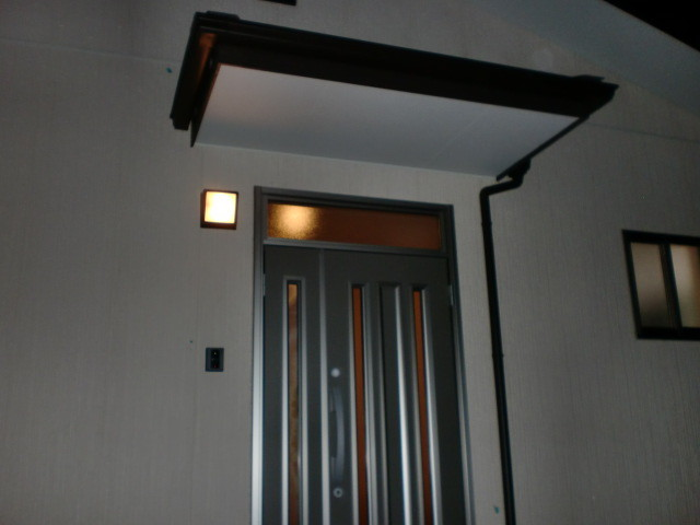 玄関ポーチ 玄関親子ドア
