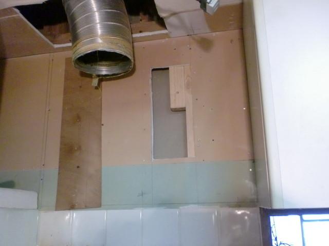 施工中 壁 下地改修前