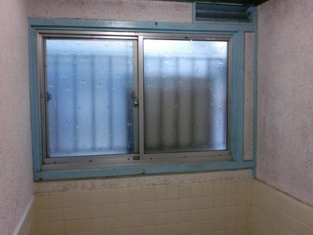 施工前 引き違い窓