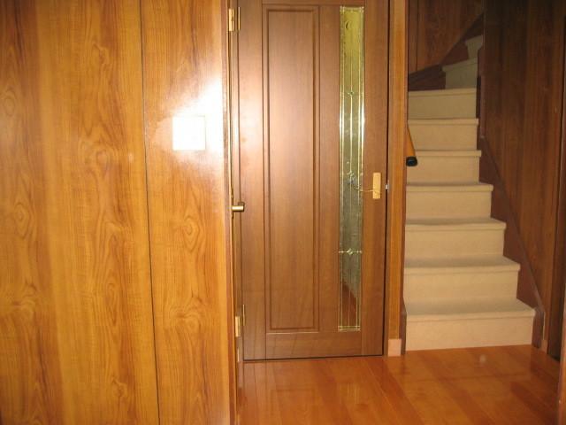 施工後 玄関廊下⇔洗面室/2階 床貼り/建具ドア取替