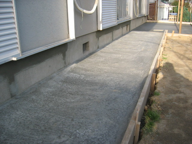 施工中 転圧後 土間コンクリート仕上②