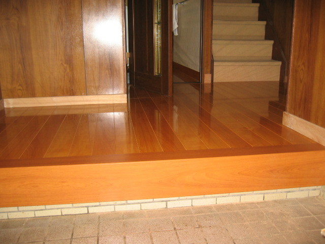 施工後 玄関廊下 床貼り/建具取替