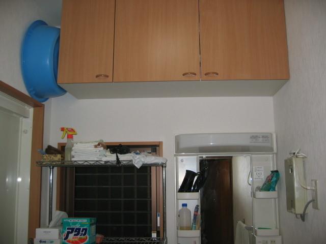 施工後 吊戸棚入れ替え、内装クロス貼替
