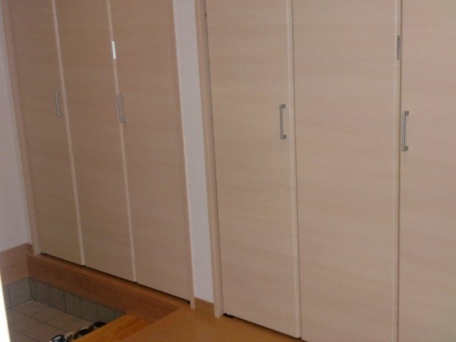 玄関収納 折戸