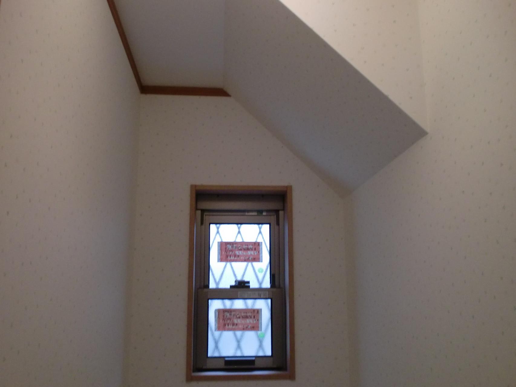 1階トイレ室 窓