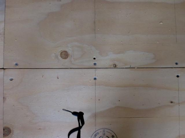 施工中 下地合板  目透かし施工