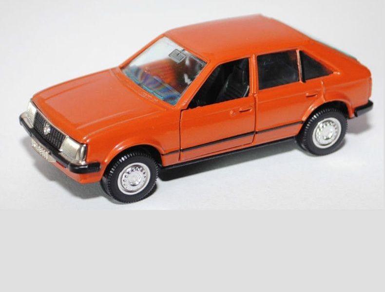 Original Modell von Gama in orange vor Umbau