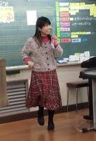 授業中の飯田清美氏
