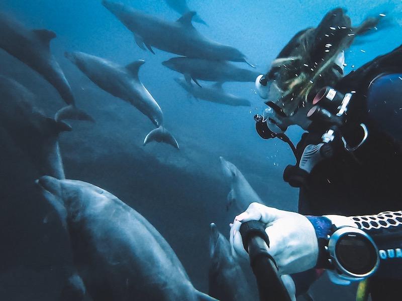 sarah richard scuba diver travel blogger girls that scuba