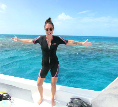 travel blogger scuba diving