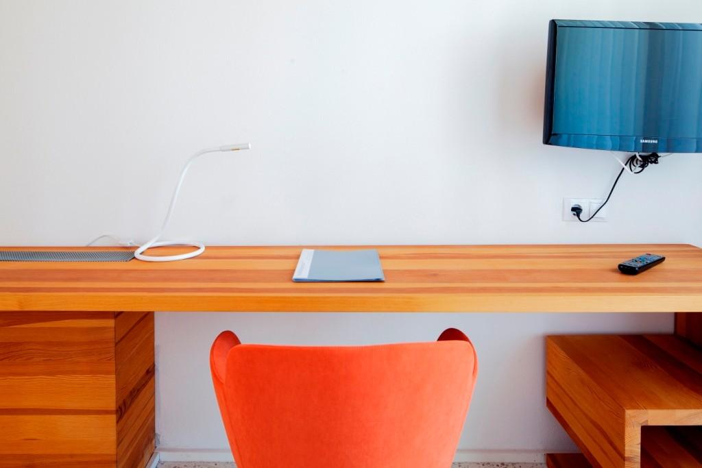 Desk in single room