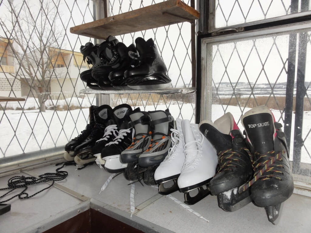 Our small selection of ice skates, sizes 32-35, 35, 36, 40, 40 and 41 (next year, we'll have more)