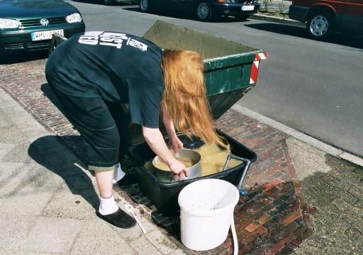 Auswaschen des Kieses - eine Aufgabe, deren Ende kaum absehbar war.