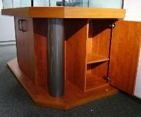 """Bild: Optisch """"leichter"""" Aquarium-Säulen-Unterbau mit extra starken Multiplexplatten"""