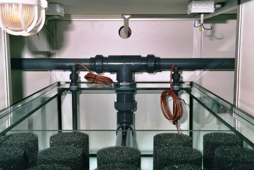 Teil der mechanischen Nachfilterung für die 2 Rieselfilter mit Niveauschaltern.