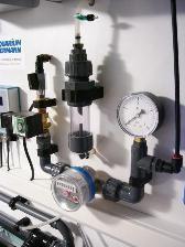 Bild: Frischwassereinleitungsarmatur zur Aufbereitungsanlage eines 2.000l-Süsswasseraqariums