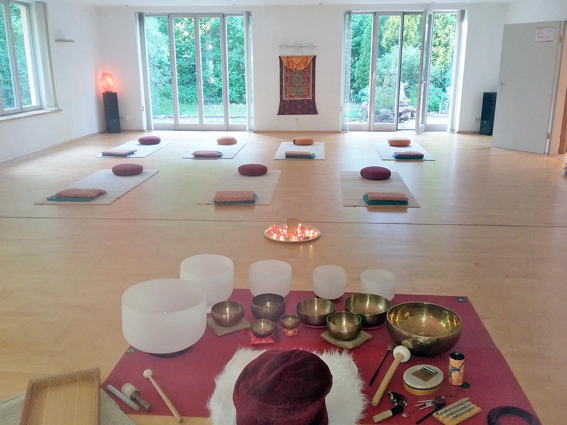 Klangreise im Yogazentrum Yoveda in Schondorf