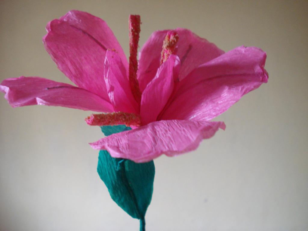 ...mit Papierblumen...