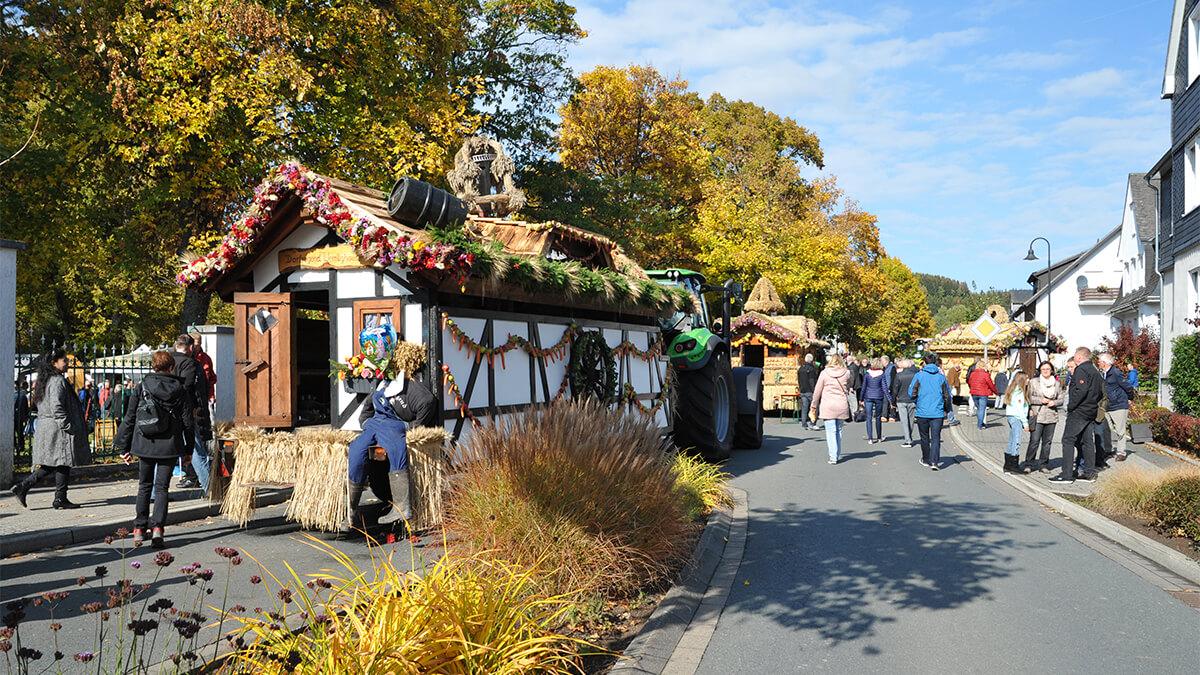 Wittgensteiner Traditionsmärkte: Brotmarkt und Erntedank