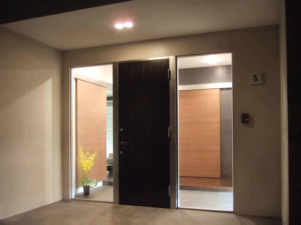 Si10 house  Entrance